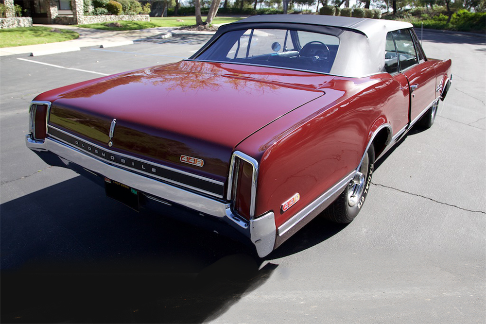 1966 OLDSMOBILE 442 CONVERTIBLE - Rear 3/4 - 190088