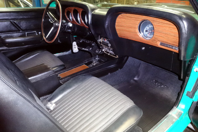 1970 FORD MUSTANG BOSS 429 FASTBACK - Interior - 190100