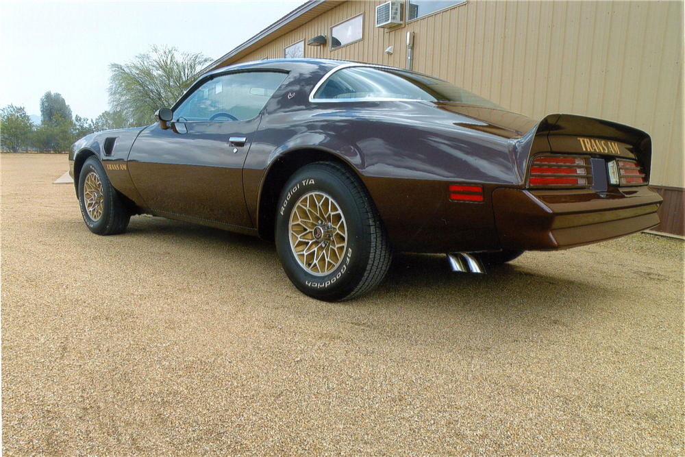 1977 PONTIAC FIREBIRD TRANS AM  - Rear 3/4 - 190124