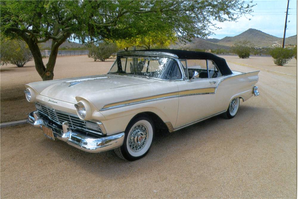 1957 FORD FAIRLANE 500 CONVERTIBLE - Front 3/4 - 190128