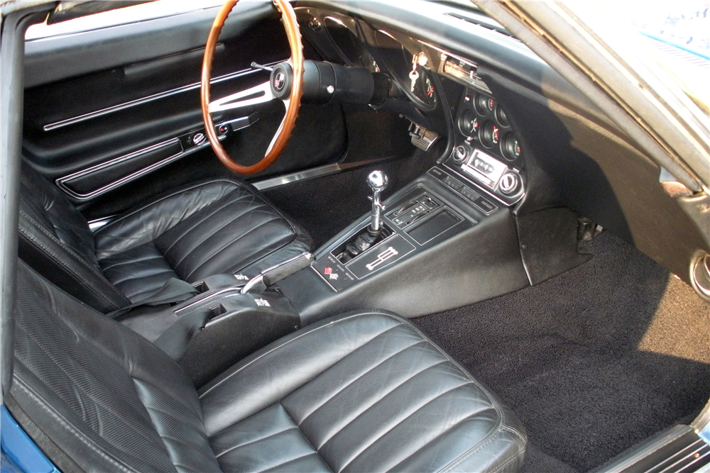 1968 CHEVROLET CORVETTE CONVERTIBLE - Interior - 190162