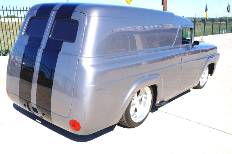 1957 FORD CUSTOM PANEL VAN - Rear 3/4 - 190172