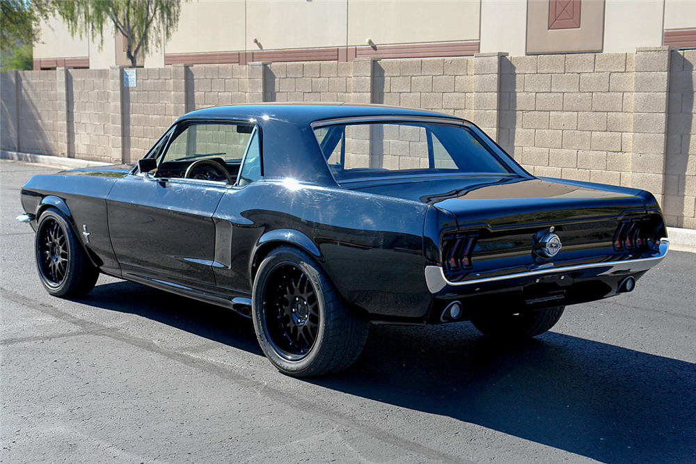 1968 FORD MUSTANG CUSTOM COUPE - Rear 3/4 - 190189