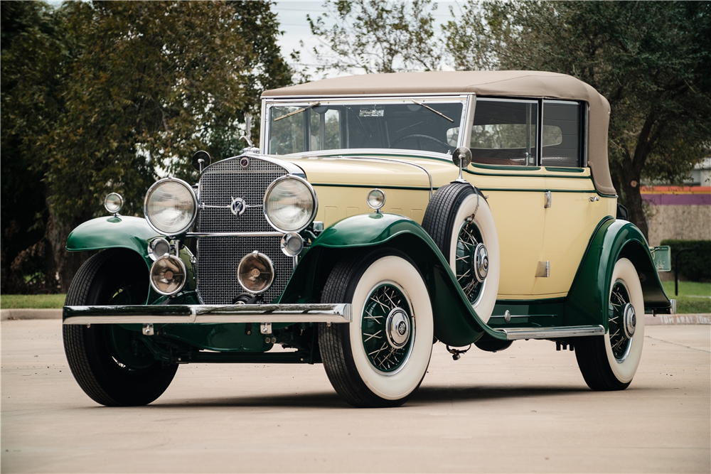1931 CADILLAC ALL-WEATHER V12 PHAETON - Front 3/4 - 190203