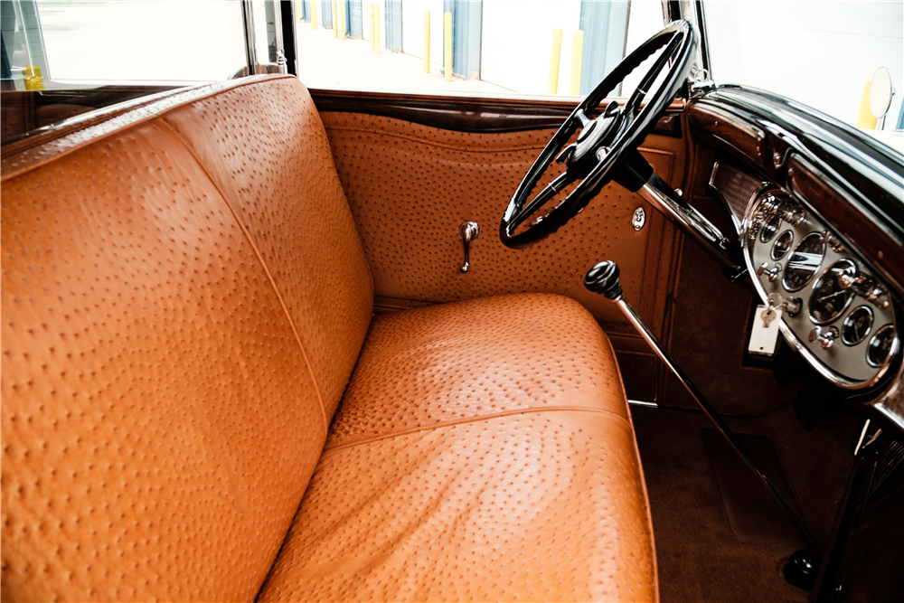 1931 CADILLAC ALL-WEATHER V12 PHAETON - Interior - 190203