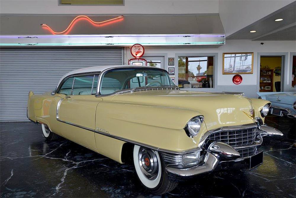 1955 CADILLAC SERIES 62 - Front 3/4 - 190227
