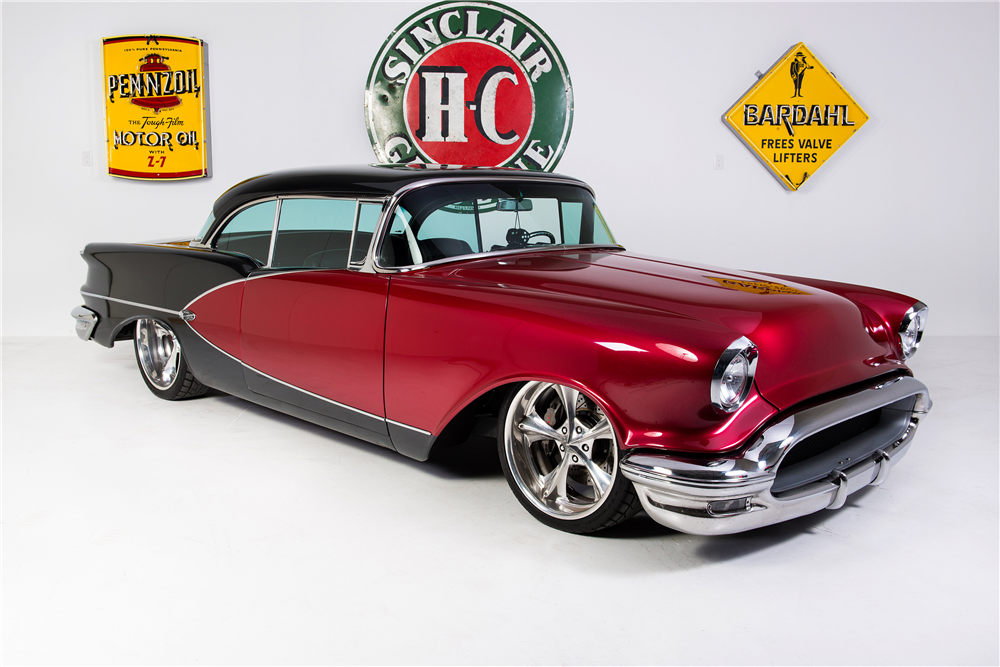 1956 OLDSMOBILE HOLIDAY 98 CUSTOM HARDTOP - Front 3/4 - 190268
