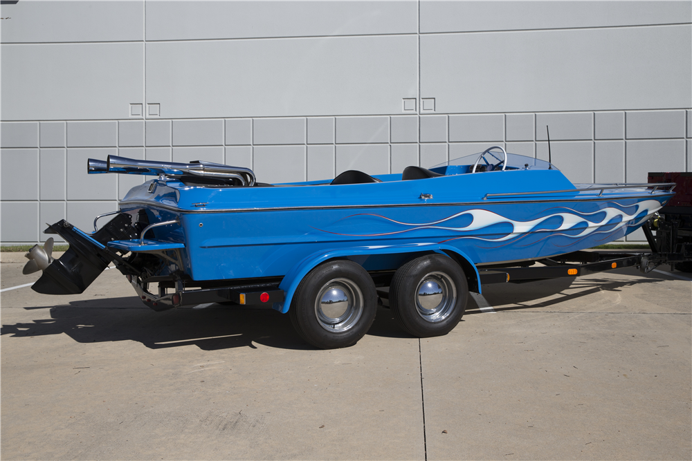 1980 HTW CUSTOM BOAT TRAILER - Rear 3/4 - 190270
