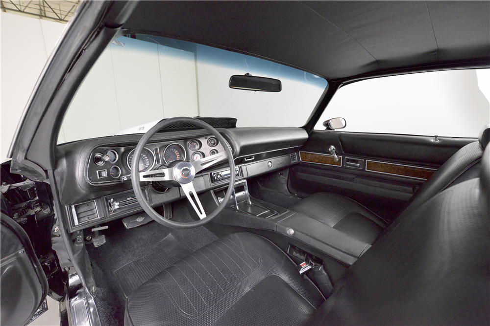 1970 CHEVROLET CAMARO PRO-TOURING COUPE - Interior - 190276