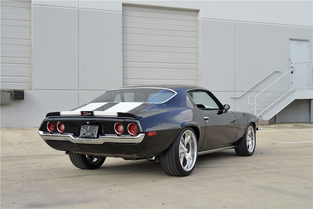 1970 CHEVROLET CAMARO PRO-TOURING COUPE - Rear 3/4 - 190276
