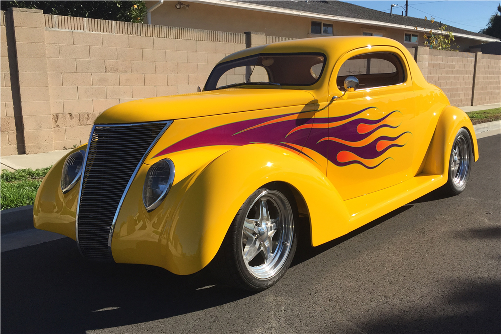 1937 FORD 3-WINDOW CUSTOM COUPE - Front 3/4 - 190313