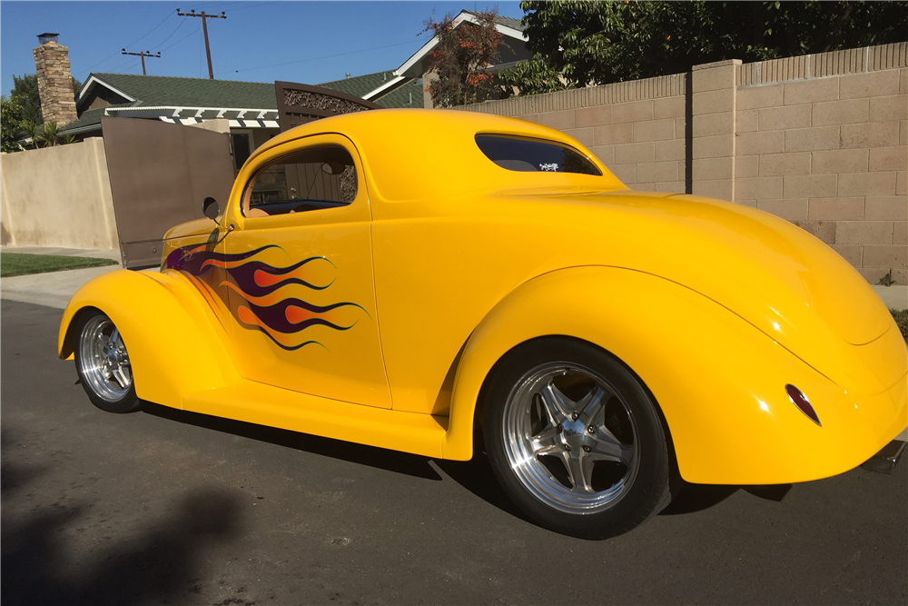 1937 FORD 3-WINDOW CUSTOM COUPE - Rear 3/4 - 190313