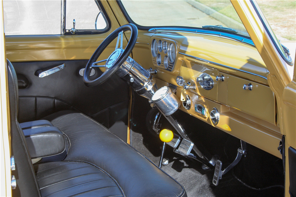 1954 FORD F-100 CUSTOM PICKUP - Interior - 190376