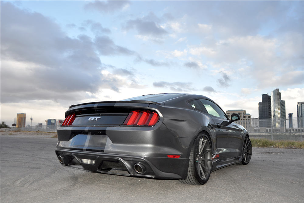 ... 2016 FORD MUSTANG GT CUSTOM COUPE - Rear 3/4 190381  S