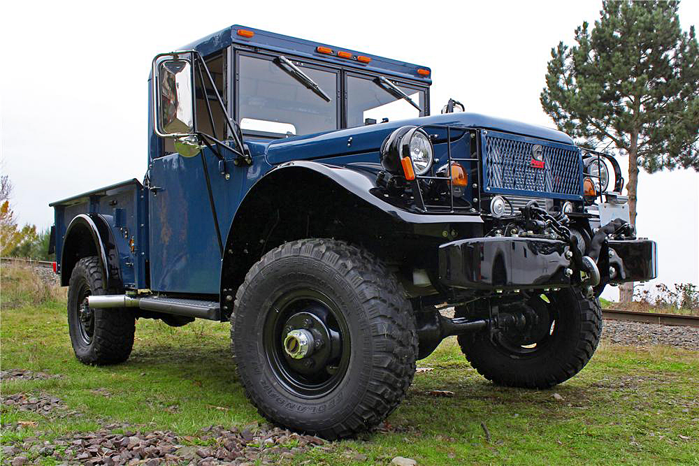 1962 DODGE POWER WAGON M37B1 PICKUP - Front 3/4 - 190388