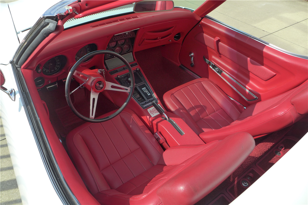 1969 CHEVROLET CORVETTE CONVERTIBLE - Interior - 190397