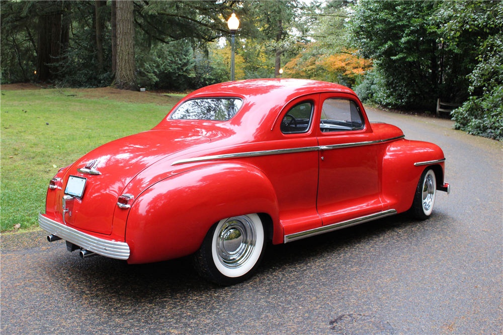 1948 PLYMOUTH SPECIAL DELUXE CUSTOM COUPE - Rear 3/4 - 190400