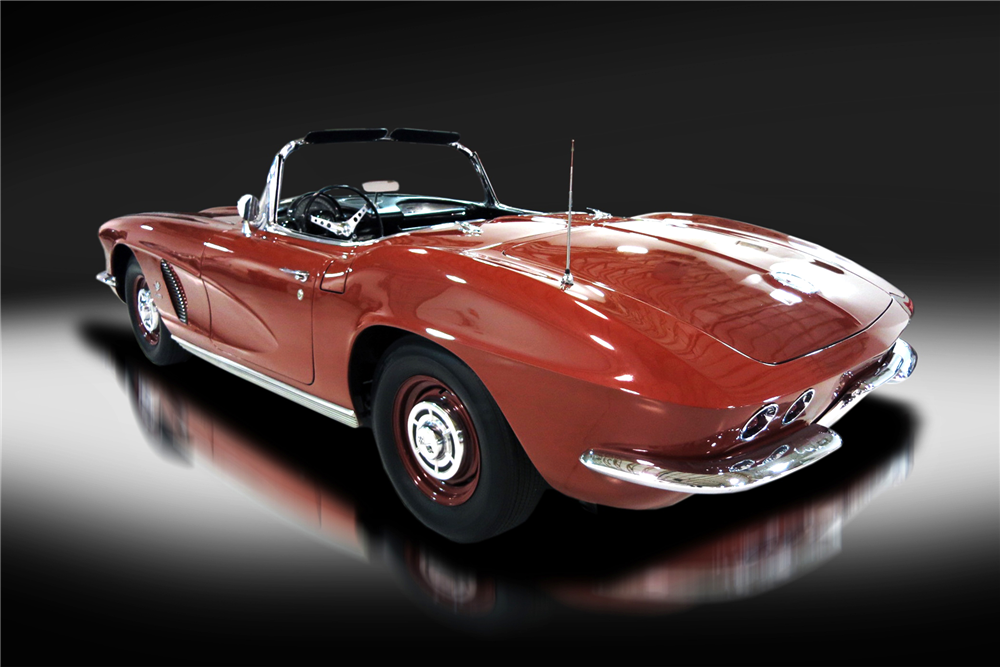 1962 CHEVROLET CORVETTE CONVERTIBLE - Rear 3/4 - 190405