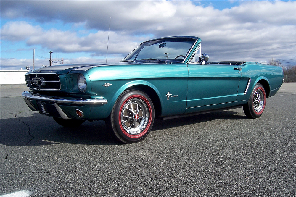 1965 FORD MUSTANG RETRACTABLE HARDTOP - Front 3/4 - 190406
