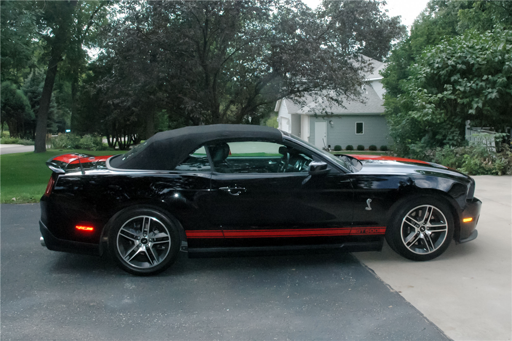 2010 FORD SHELBY GT500 CONVERTIBLE - Side Profile - 190439