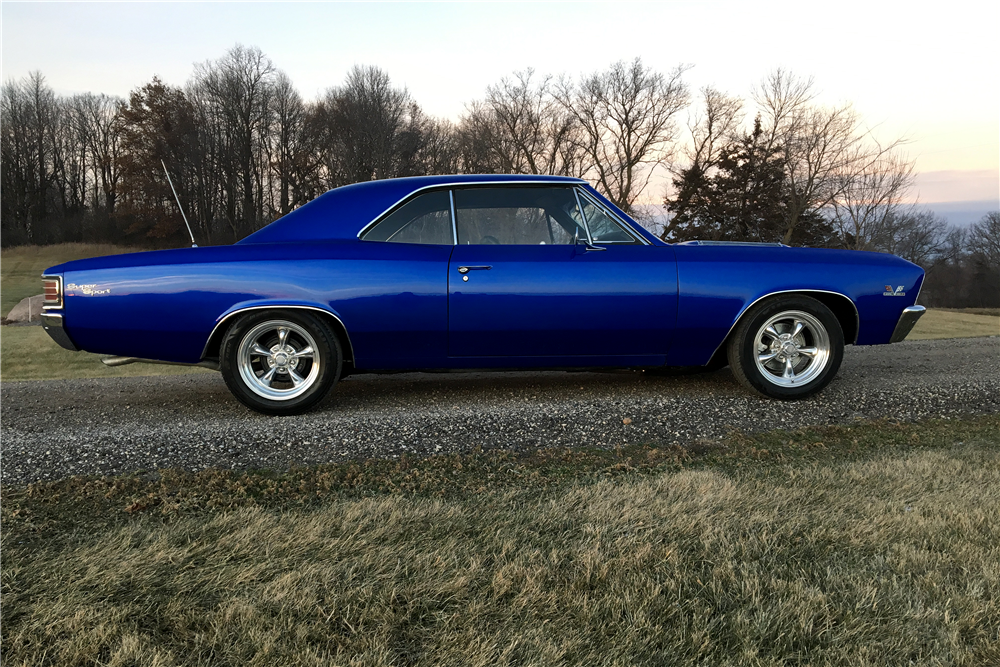 1967 CHEVROLET CHEVELLE SS 396 - Side Profile - 190443