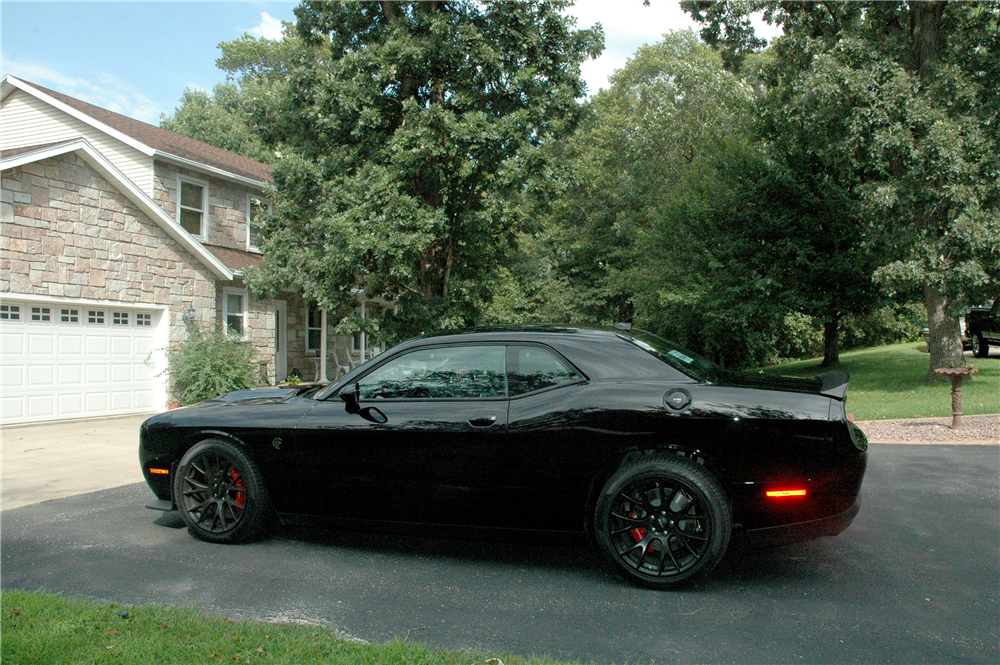 2015 DODGE CHALLENGER HELLCAT  - Side Profile - 190444