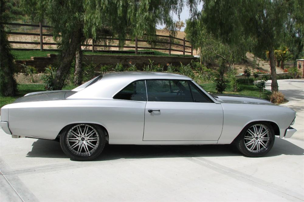 1966 CHEVROLET CHEVELLE CUSTOM COUPE - Side Profile - 190448
