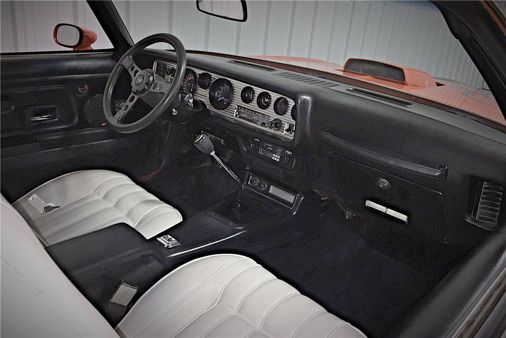 1976 PONTIAC FIREBIRD TRANS AM - Interior - 190461