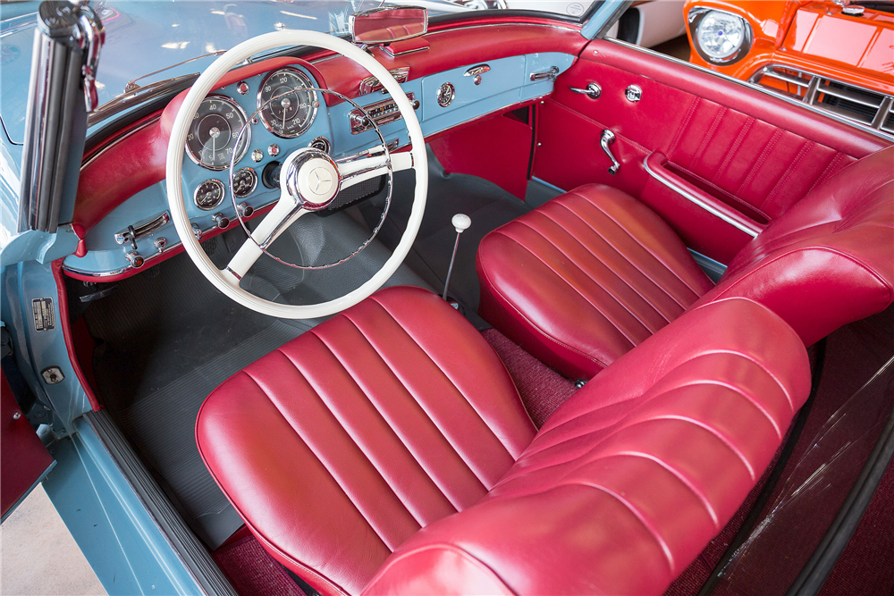 1962 MERCEDES-BENZ 190SL CONVERTIBLE - Interior - 190466