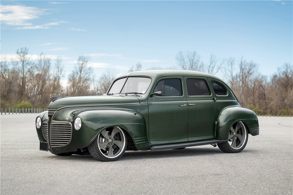 1941 PLYMOUTH CUSTOM SEDAN - Front 3/4 - 190468