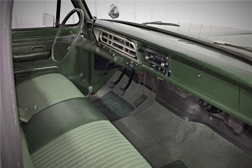 1972 FORD F-100 SPORT CUSTOM PICKUP - Interior - 190474