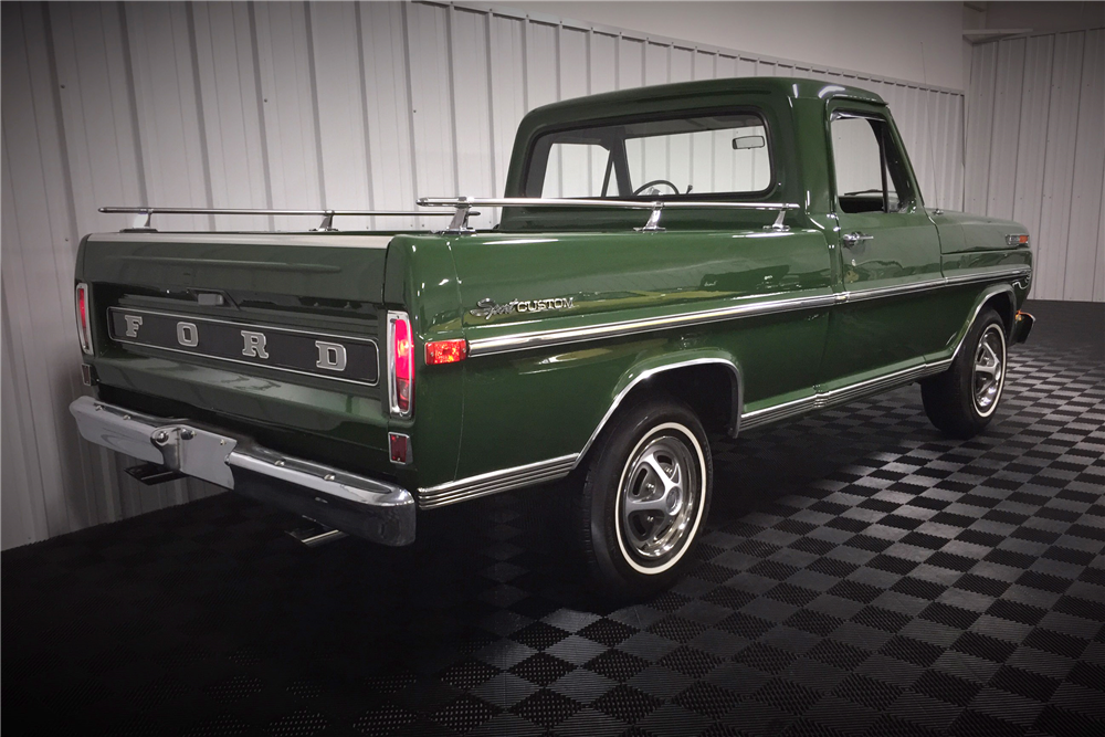 1972 FORD F-100 SPORT CUSTOM PICKUP - Rear 3/4 - 190474