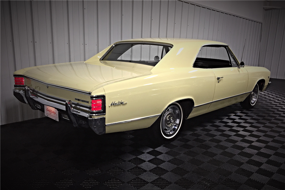 1967 CHEVROLET MALIBU SPORT COUPE - Rear 3/4 - 190483