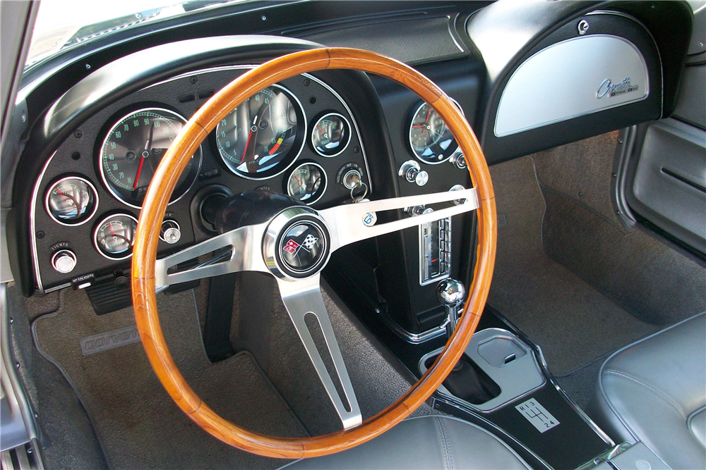 1965 CHEVROLET CORVETTE  - Interior - 190488