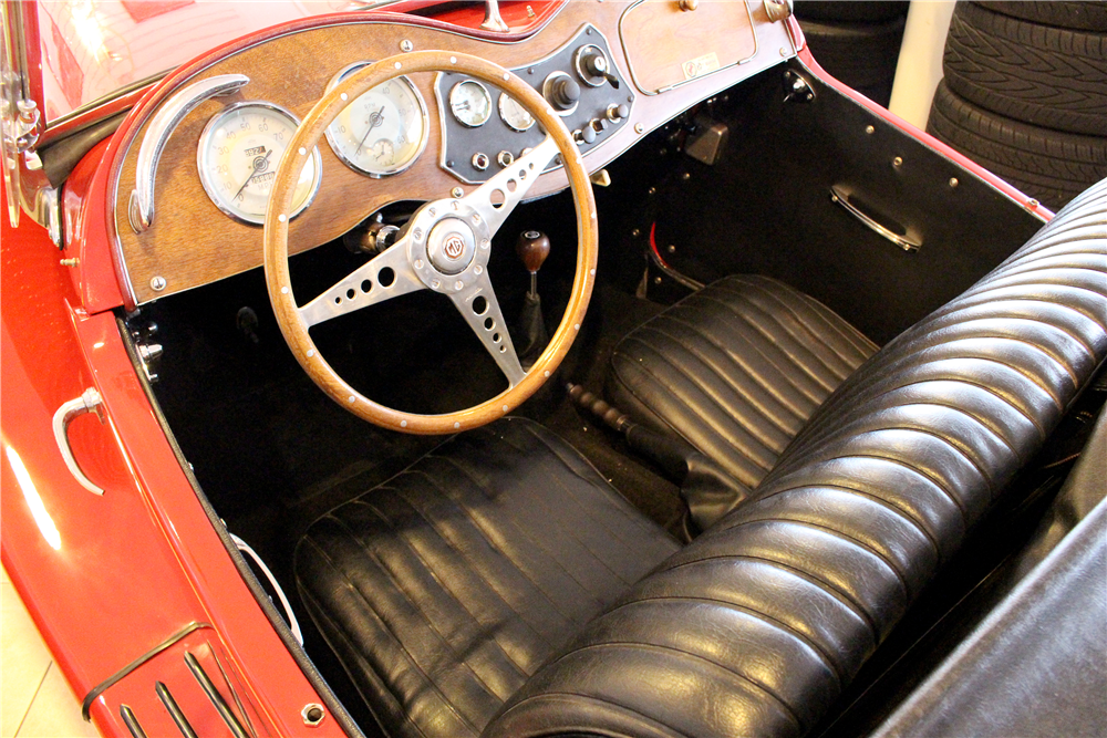 1953 MG TD ROADSTER - Interior - 190547