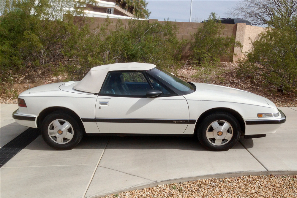 1990 BUICK REATTA CONVERTIBLE - Side Profile - 190581