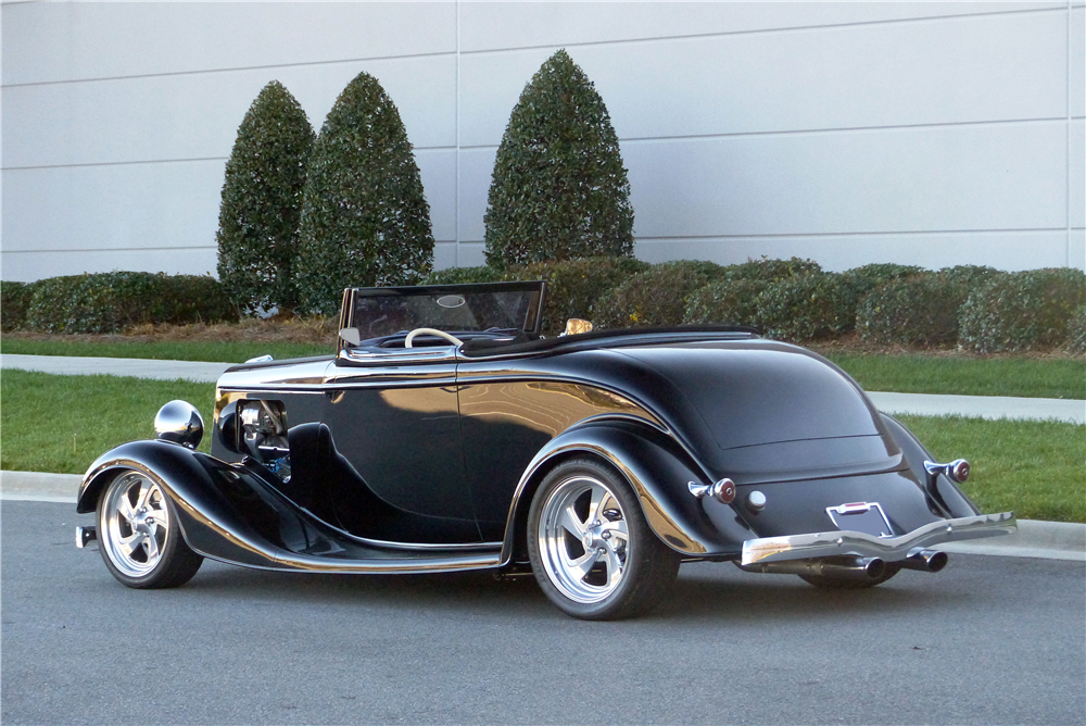 1934 FORD CUSTOM ROADSTER - Rear 3/4 - 190595