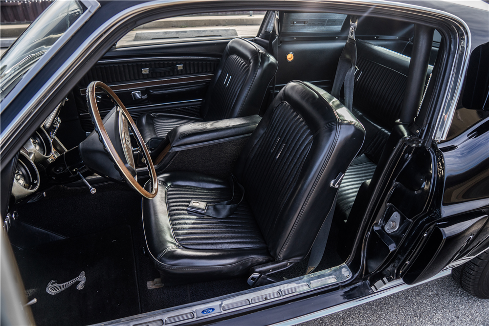 1968 SHELBY GT350 FASTBACK - Interior - 190599