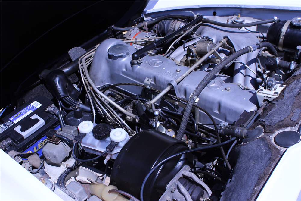 1968 MERCEDES-BENZ 250SL ROADSTER - Engine - 190639