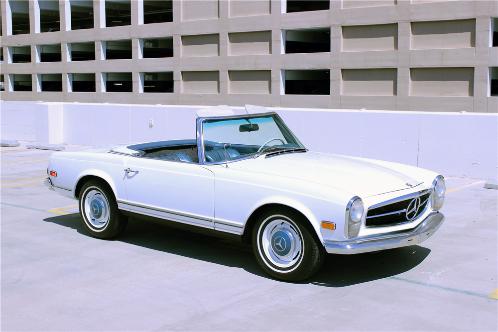 1968 MERCEDES-BENZ 250SL ROADSTER - Front 3/4 - 190639