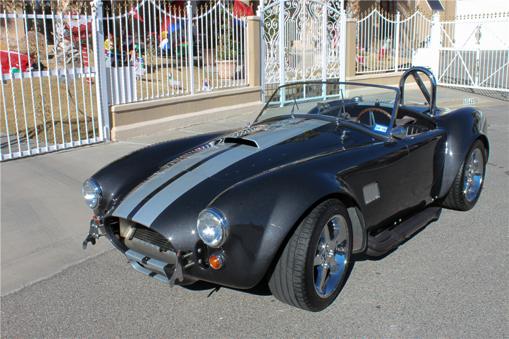 1965 SHELBY COBRA ROADSTER RE-CREATION - Front 3/4 - 190985