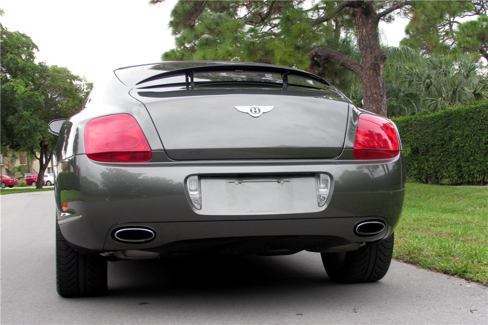2004 BENTLEY CONTINENTAL GT - Rear 3/4 - 191049