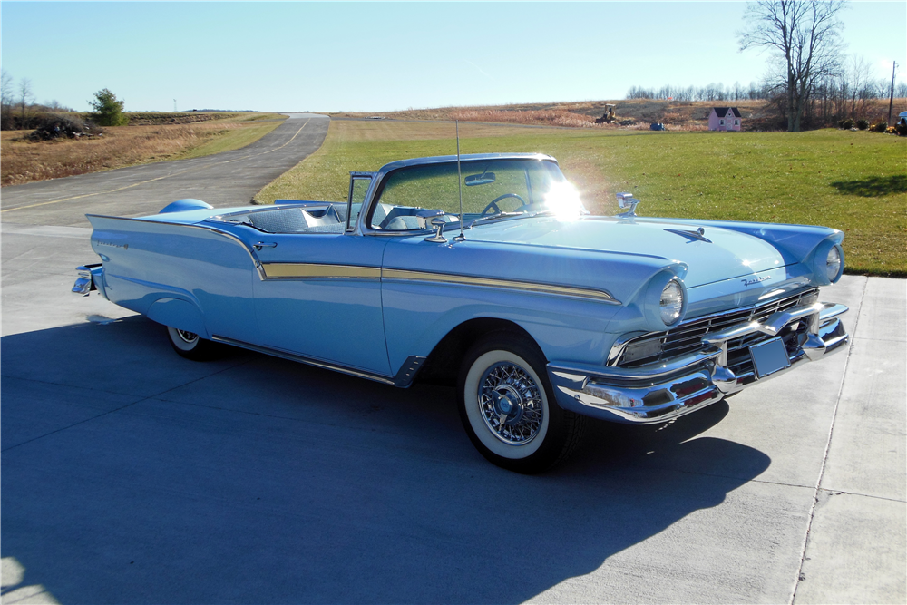1957 FORD SKYLINER RETRACTABLE HARDTOP - Rear 3/4 - 191064