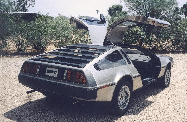 1981 DELOREAN GULLWING COUPE - Rear 3/4 - 19108