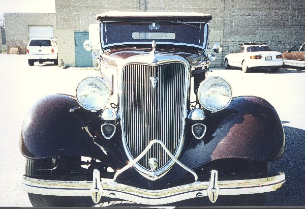 1934 FORD DELUXE ROADSTER - Side Profile - 19111