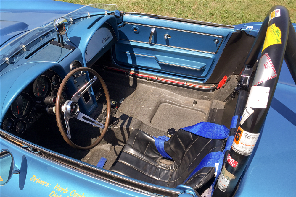 1965 CHEVROLET CORVETTE RACE CAR - Interior - 191202