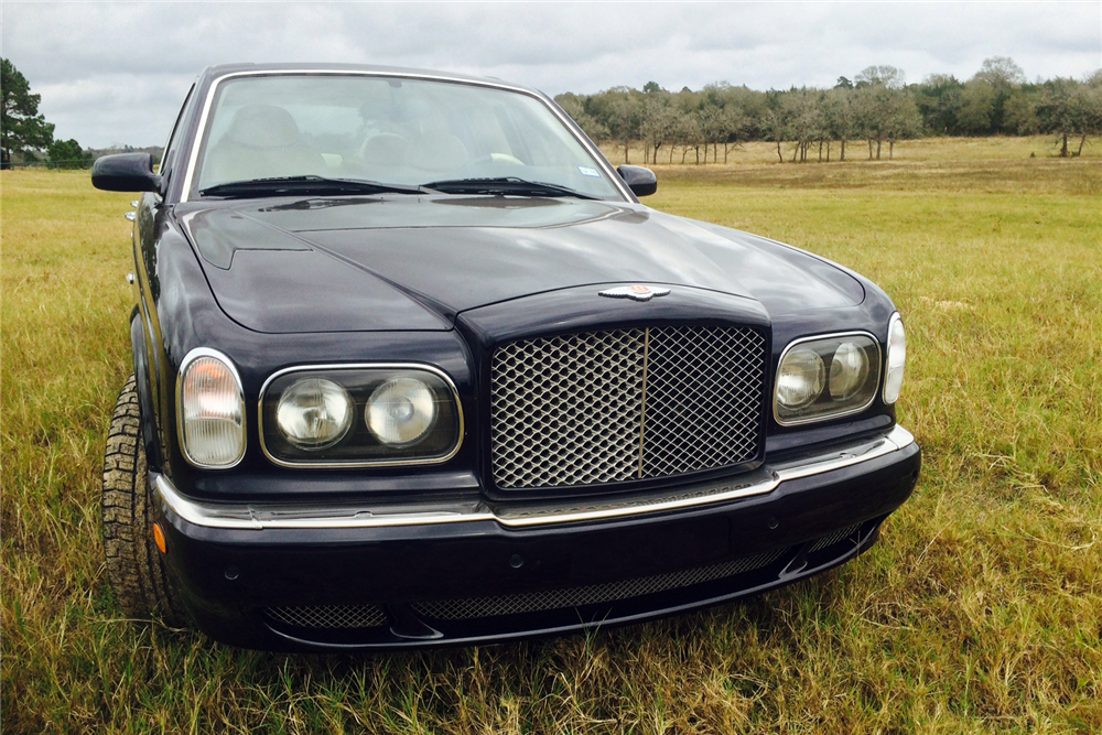 2000 BENTLEY ARNAGE RED LABEL TURBO 4-DOOR SEDAN - Front 3/4 - 191204