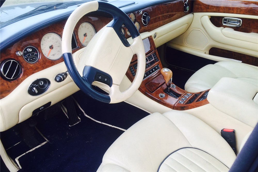 2000 BENTLEY ARNAGE RED LABEL TURBO 4-DOOR SEDAN - Interior - 191204