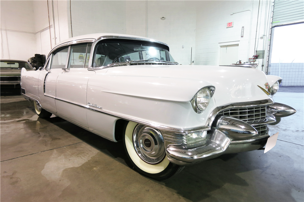 1955 CADILLAC FLEETWOOD 60 SPECIAL  - Front 3/4 - 191207