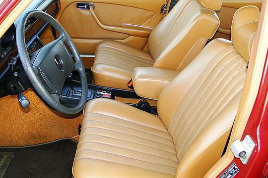 1976 MERCEDES-BENZ 450SE 4-DOOR SEDAN - Interior - 191210